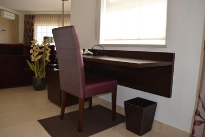 PM Desk 2