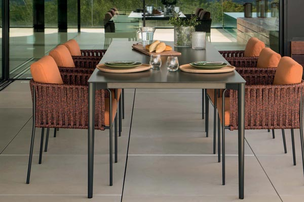 Nude Exterior Tables