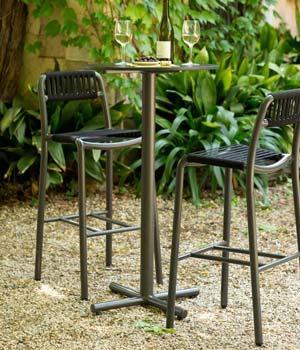 Bold Bar-Table