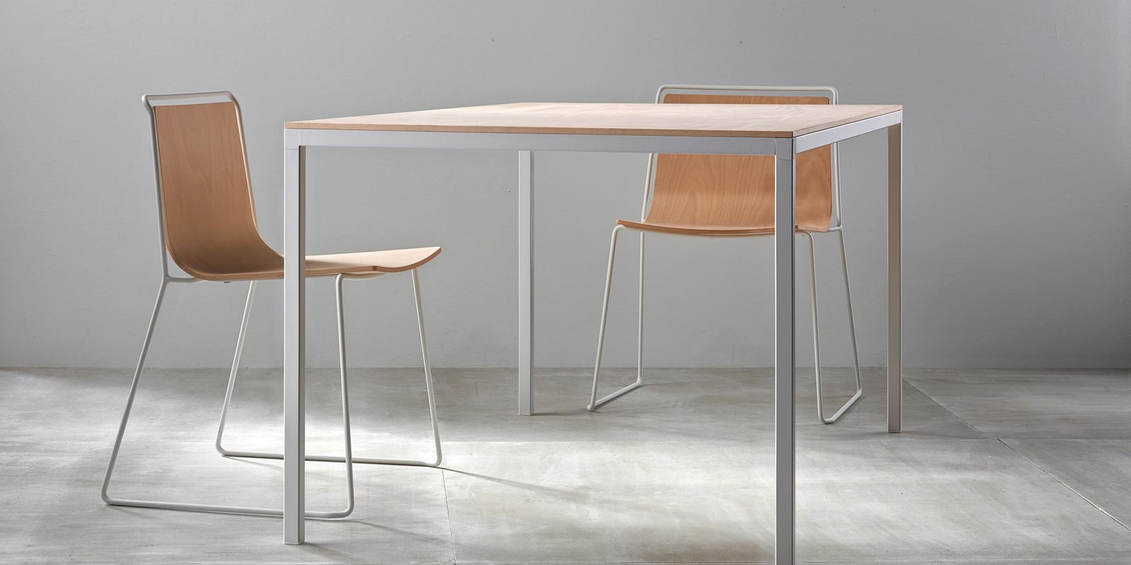 Dry Dining Table by Ondarreta