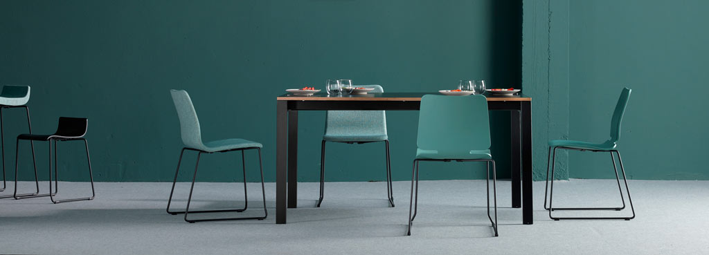 Punto Dining Table