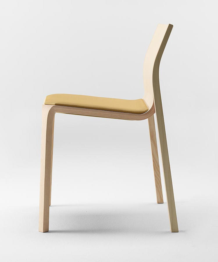 Silu Chair with Upholstered Seat