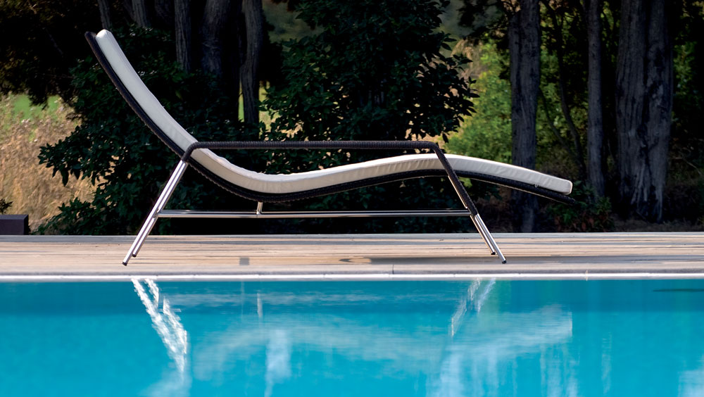 Siesta Lounger by Point