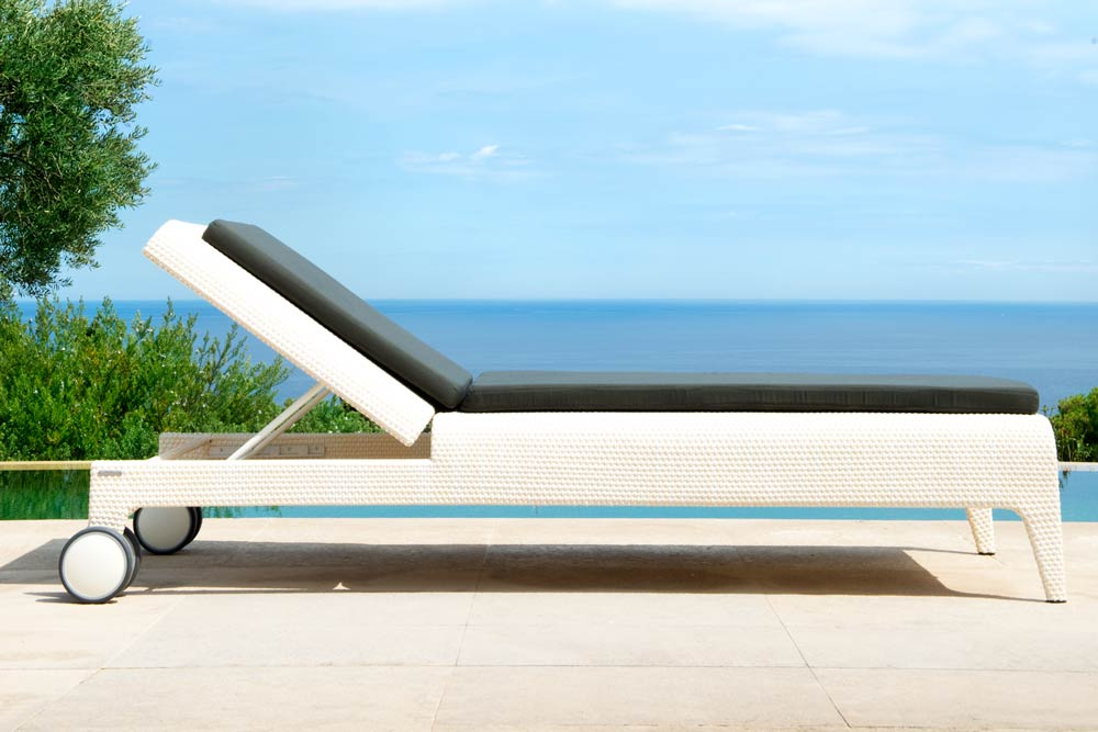 The U Sun Lounger by Point