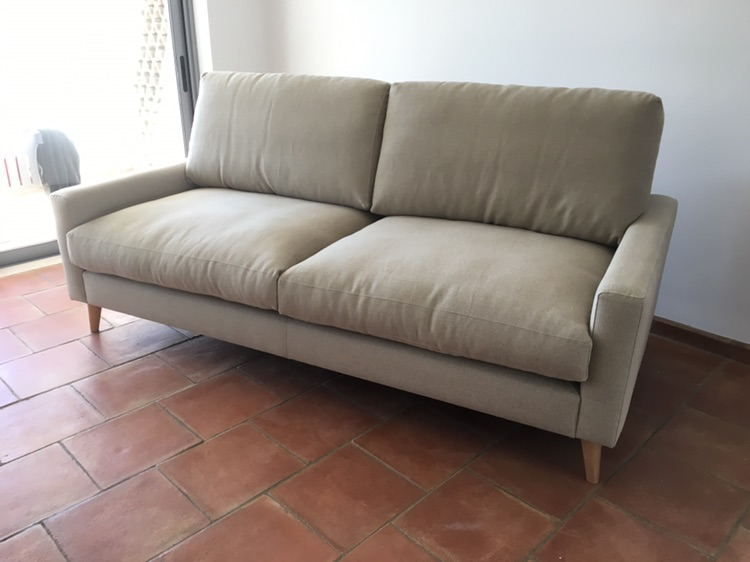 Zow Sofa with wood legs