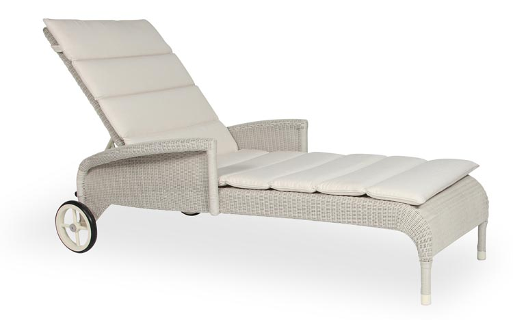 Safi Lounger with Arms by Vincent Sheppard